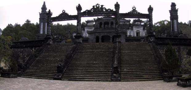 hue-khai-dinh-mausoleum-001