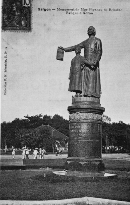 Tượng 1902 của Bá Đa Lộc và Hoàng tử Cảnh tại Saigon