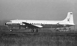 *Douglas C118 tương tực chiếc phi cơ CIA (Aie America) đã đưa hai ông Thiệu Khiêm và tùy tùng đi Đài Bắc