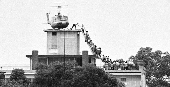 Những hình ảnh lịch sử ấn tượng 39 năm về trước khi mà lính Mỹ và chính quyền ngụy kéo nhau tháo chạy khỏi Sài Gòn. Những gì người Mỹ còn nhớ đó là ký ức về một bài học lịch sử, rằng không có công lý và sức mạnh nào vĩ đại hơn là độc lập, tự do của một dân tộc.