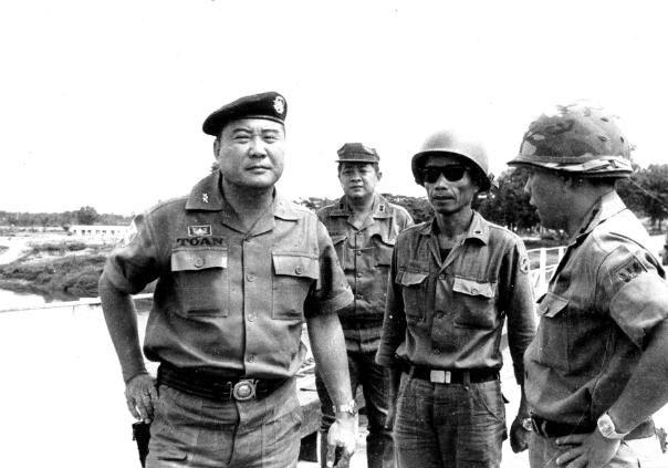 Cố Ðại Tá Trịnh Tiếu – MẶT TRẬN TÂN CẢNH KONTUM 1972 – biển xưa