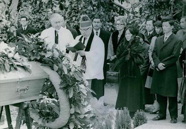 Tang Lễ Ngô Đình Lệ Thủy , có LM Ngô Đình Thục,, Bà Ngô Đ̀nh Nhu và con trai Ngô Đ̀ình Trác