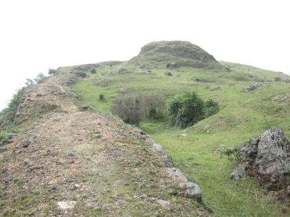 """Theo truyền thuyết, đỉnh núi Lam Thành - nơi chôn """"đồng trụ"""" của Mã Viện ở Hưng Nguyên"""