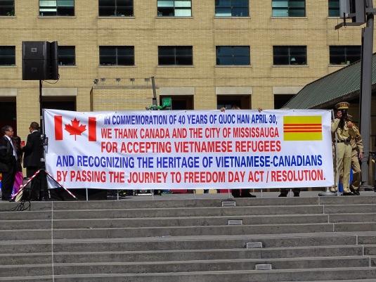 Thượng kỳ VietNam  nhân kỷ niệm 30/04 và cũng để cám ơn Canada .