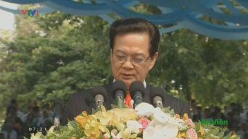 Ông Nguyễn Tấn Dũng sử dụng những từ ngữ 'rất cứng rắn, nặng nề và đầy thù hận' khi nói về cuộc chiến Việt Nam trong diễn văn hôm 30/4/2015, theo tác giả.
