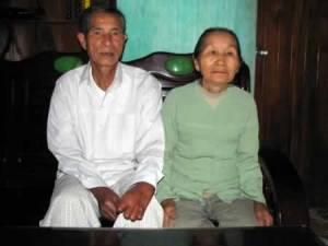 Vợ chồng bác Lê Trung Hiển ước mơ một lần được ra thăm lăng Bác.
