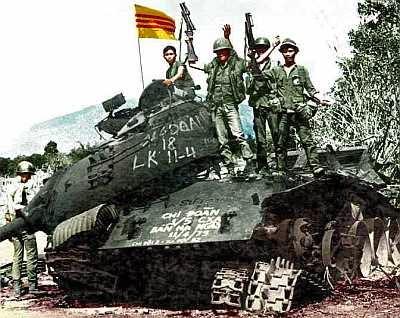 Chiến xa CSBV bị bắn hạ tại Xuân Lộc