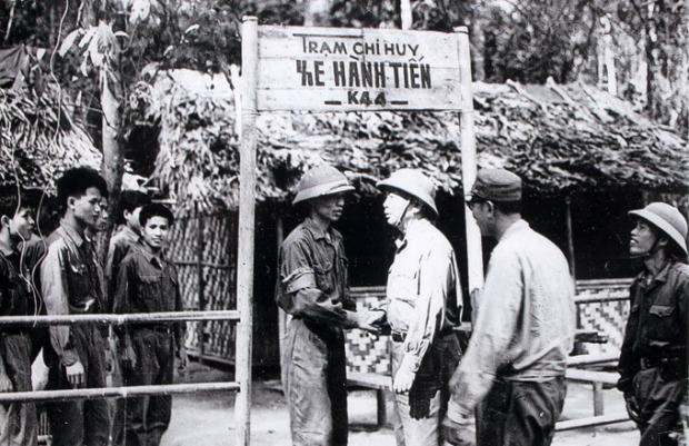 duongmon hcm 3 Võ Nguyên Giáp và các Tướng CSBV trên đường mòn HCM