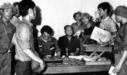 TT Dương Văn Minh thu thanh lời tuyên bố đầu hàng