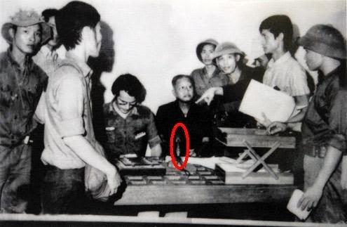 Dương Văn Minh đọc văn bản đầu hàng