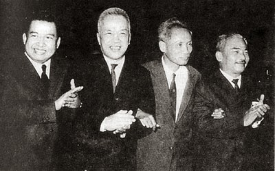 Từ trái: Sihanouk, Nguyễn Hữu Thọ, Phạm văn Đồng, Souphanouvong, 1970