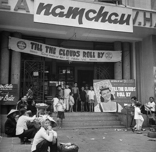Théâtre Nguyễn Văn Hảo trên Avenue Galliéni (Trần Hưng Đạo) đang chiếu phim