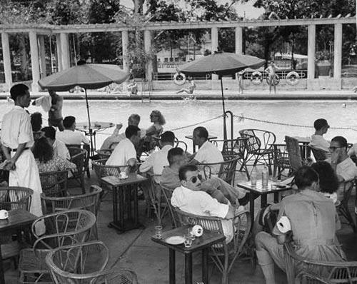 Hồ bơi Le Cercle Sportif Saigonnais trong Jardin Maurice Long nằm ở góc Rue Taberd
