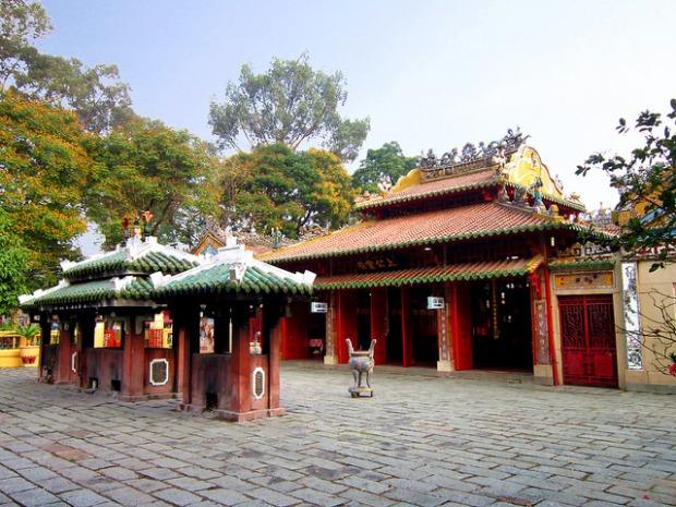 Đền thờ Lê Văn Duyệt.