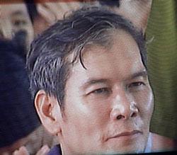 Linh mục Nguyễn Văn Lý tại tòa hôm 30/3/2007. Ông bị kết án 8 năm tù vì tội