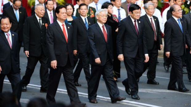 Dư luận đặt nhiều dấu hỏi về thái độ, ứng xử của giới lãnh đạo cao cấp của Việt Nam trước các hành vi của Trung Quốc trên Biển đông, theo tác giả.