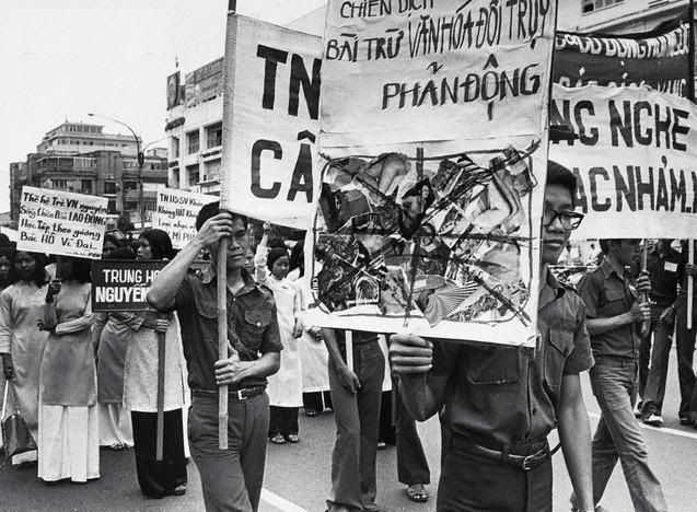 Chiến dịch Bài trừ Văn Hóa Đồi Trụy ( 21 tháng 5 1975) !!!